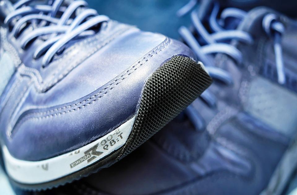 marche sportive course à pied chaussure